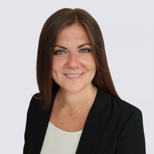 Julia Düsterhöft Junior Consultant bei DCORE | Teammitglied bei DCORE der Forschungsagentur für Marktforschung, Medienforschung und Data Analytics